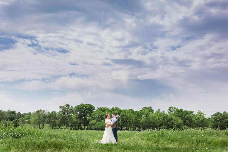pond-civil-war-ranch-wedding-01.jpg